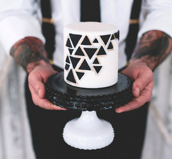 Small Cake, Geometric Design
