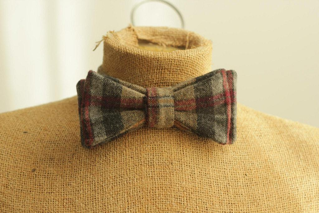 Plaid Bow Tie - www.craftsy.com