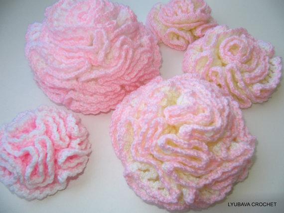 Crochet carnation flower