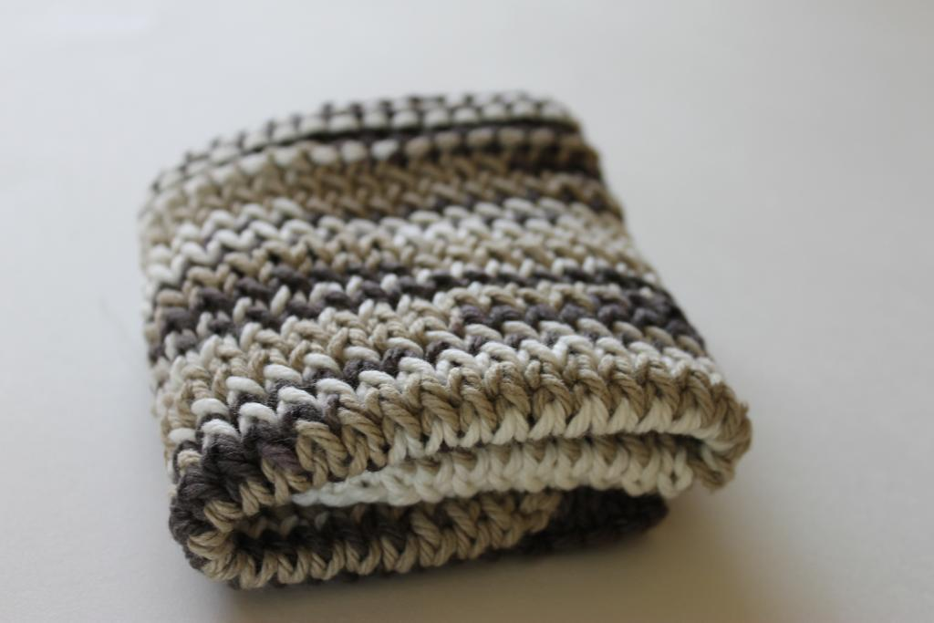 Twisted stockinette stitch dishcloth