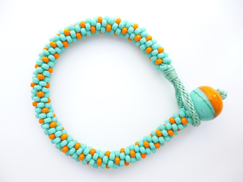 Button Loop Bracelet - Free Pattern