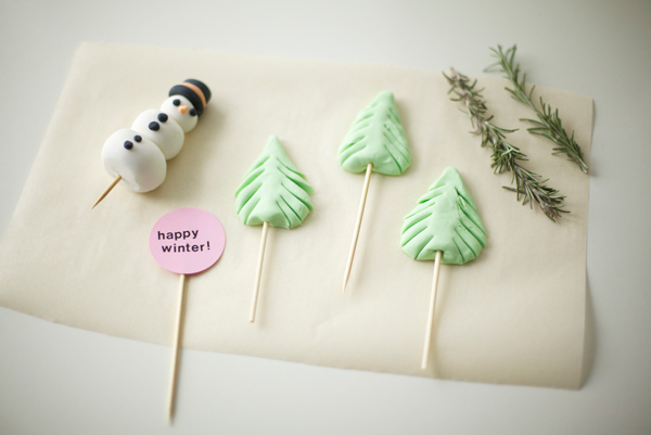 Pieces for Winter Cake Top