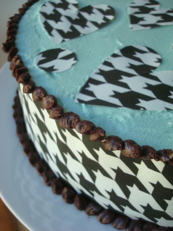 Bluprint.com: Cake Covered in Sugar Sheets