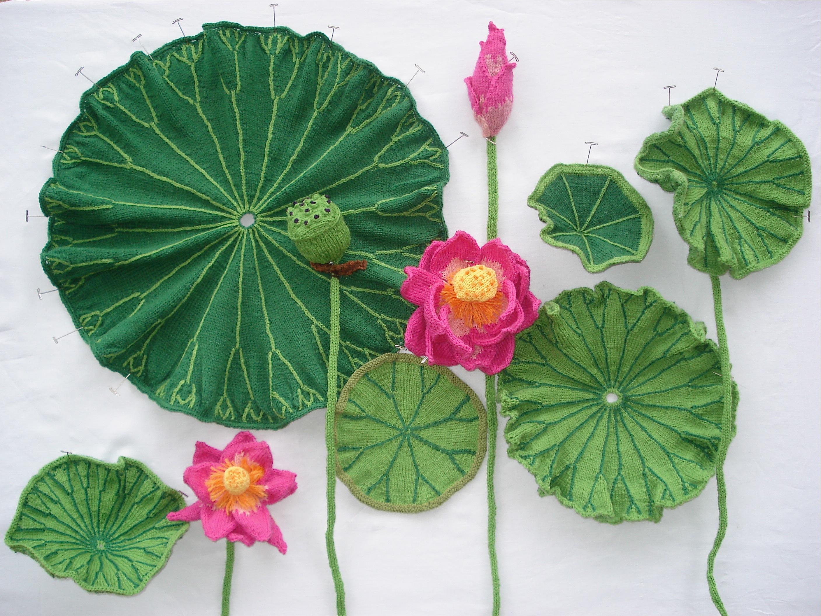 Knitted lotus flowers