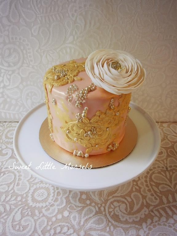 Bluprint.com Member Project -0Pink Cake with Gold Lace