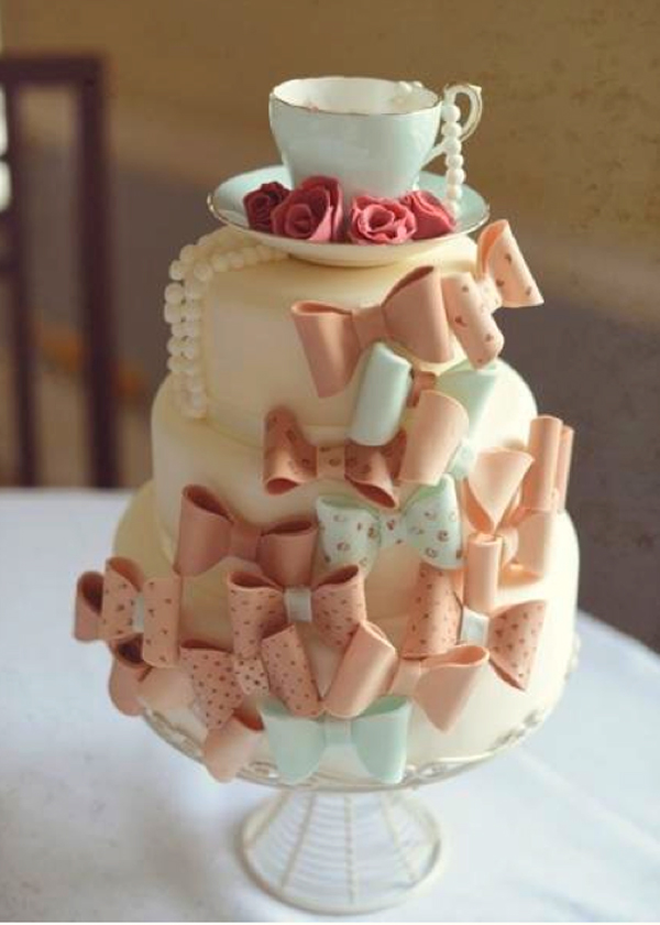 Bluprint Member Cake - Tiered Cake with Vintage Bows