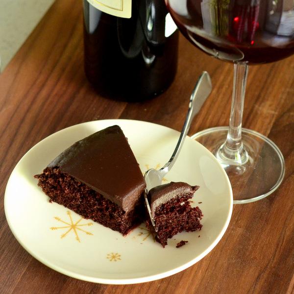 Cómo hacer una tarta de chocolate con vino tinto