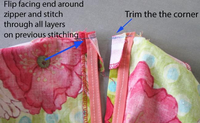 borde de la costura del escote trasero2a