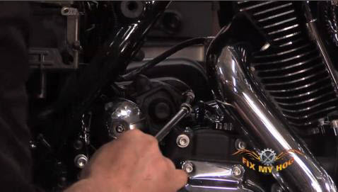 How to Install a Starter on a Motorcycle