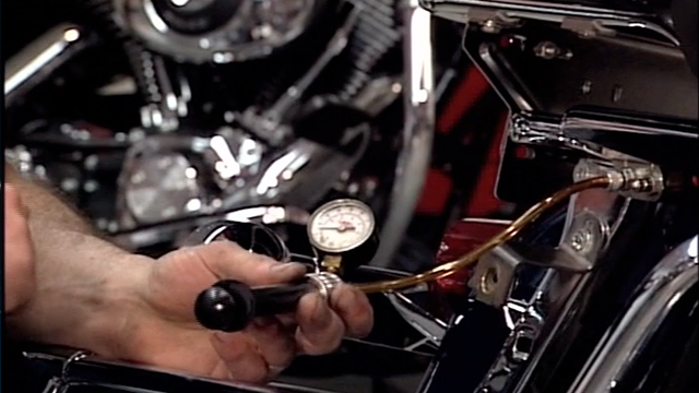 Checking the Air Suspension on Harley-Davidson® Shocks