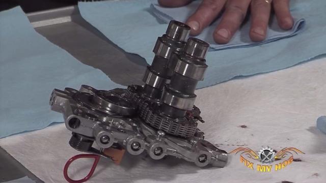 Harley-Davidson® Oil Pump Service