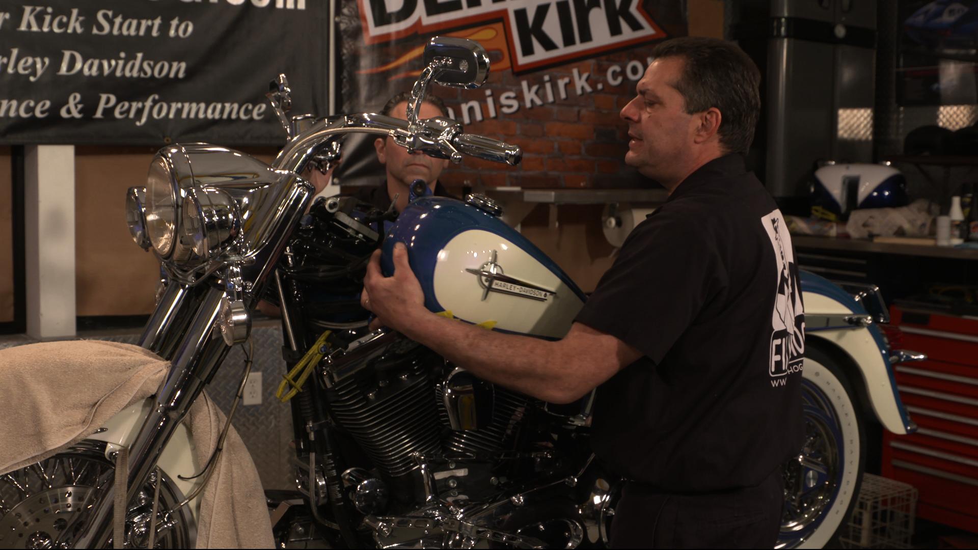 Evo 2 Piece Harley Davidson Fuel Tank Removal