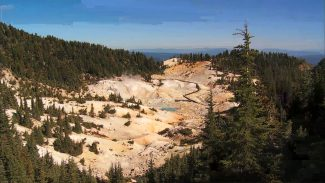 FMH 011995f_Y0C97U_c Discover Life Renewed At Lassen Volcanic National Park PREMIUM