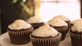 GHUTV 013310f_T9225u_c Cupcake - RECIPE FREE