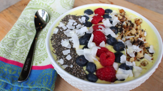 How To Make A Delicious Smoothie Bowl