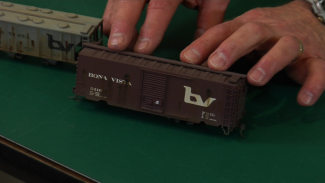 Weathering Model Railroad Cars with Artist Oil Paints