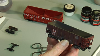 010473f_U0116U_c-Techniques for Your Layout-Tricks for Weathering Your Rolling Stock