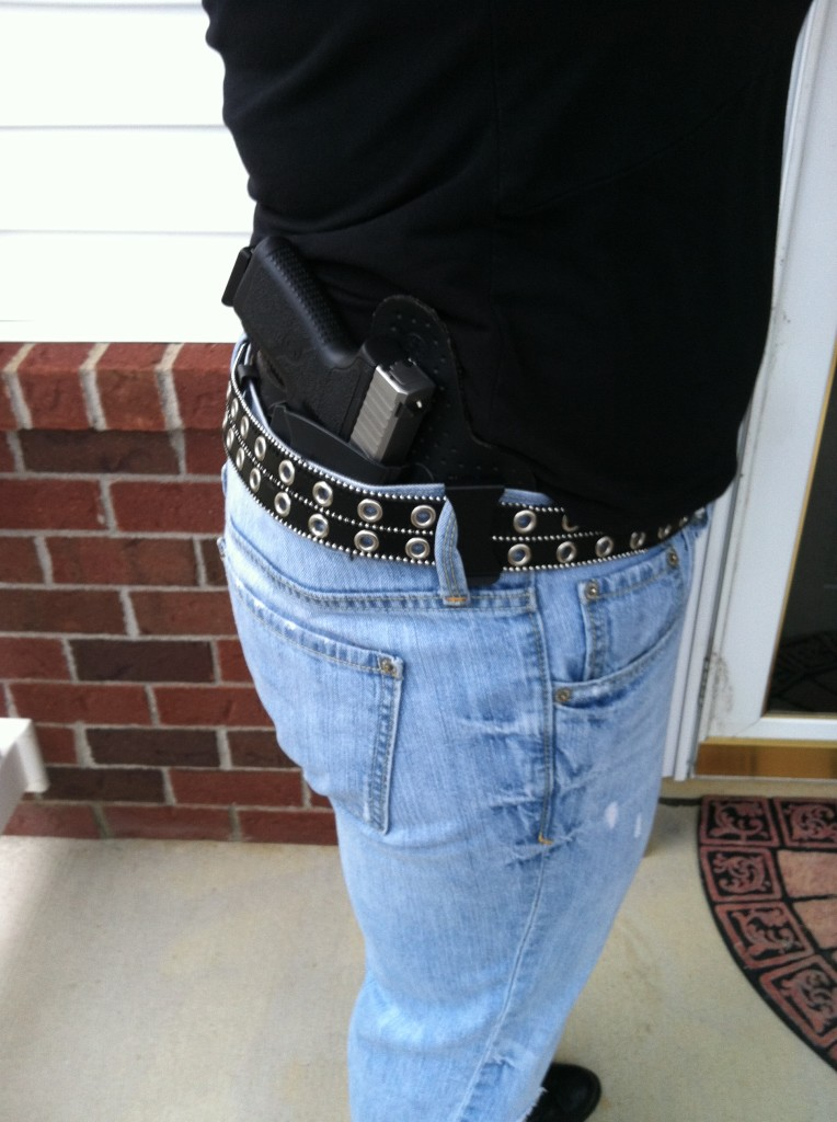IWB holster: Great concealment and comfort. Photo: author