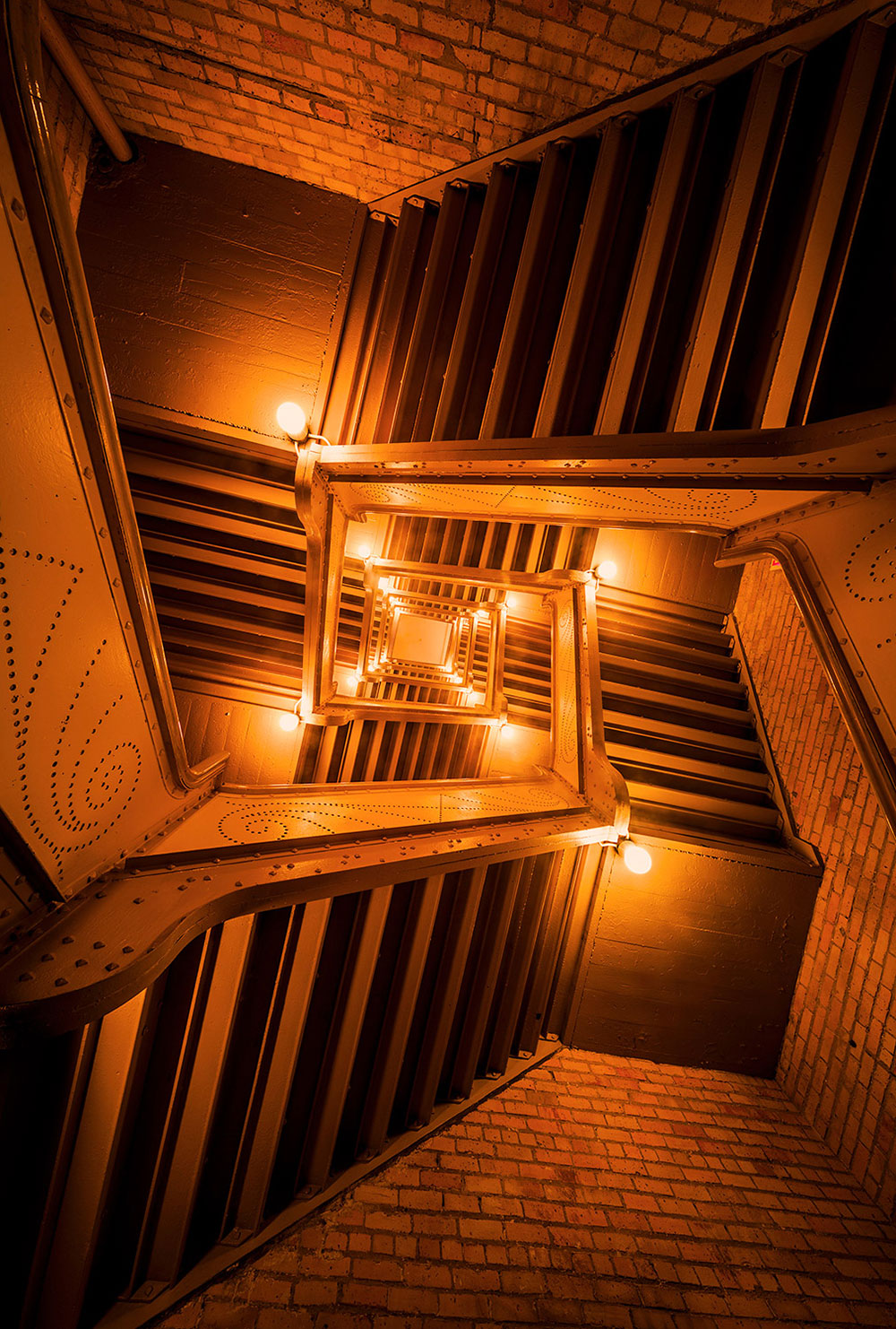 the-impossible-staircase-web