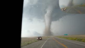 OPG 013419f_B2F40U_c Capturing a Tornado