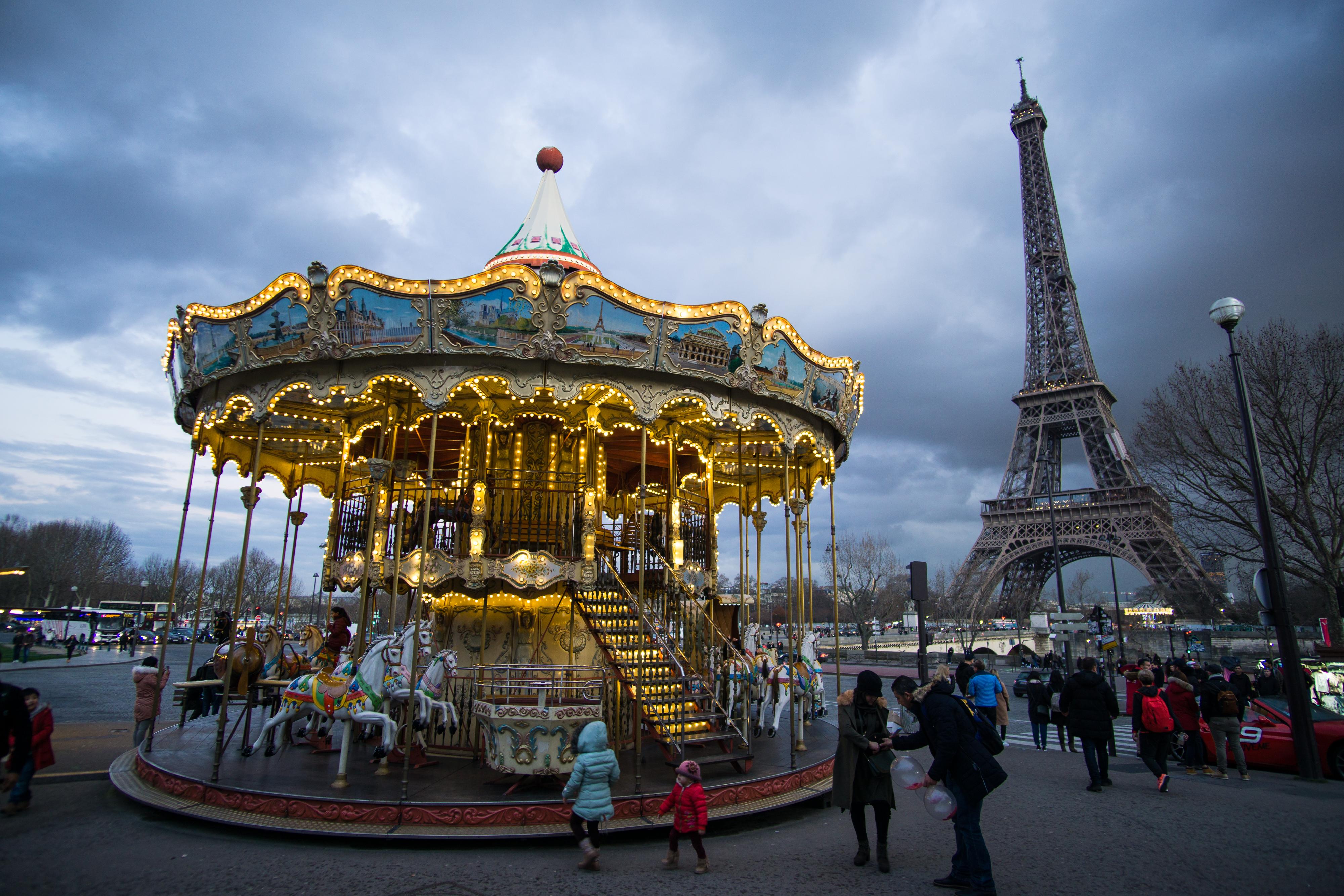Better Travel - Merry-Go-Round Paris