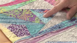 How to Choose Fabric for a Quilt Using Fabric Texture