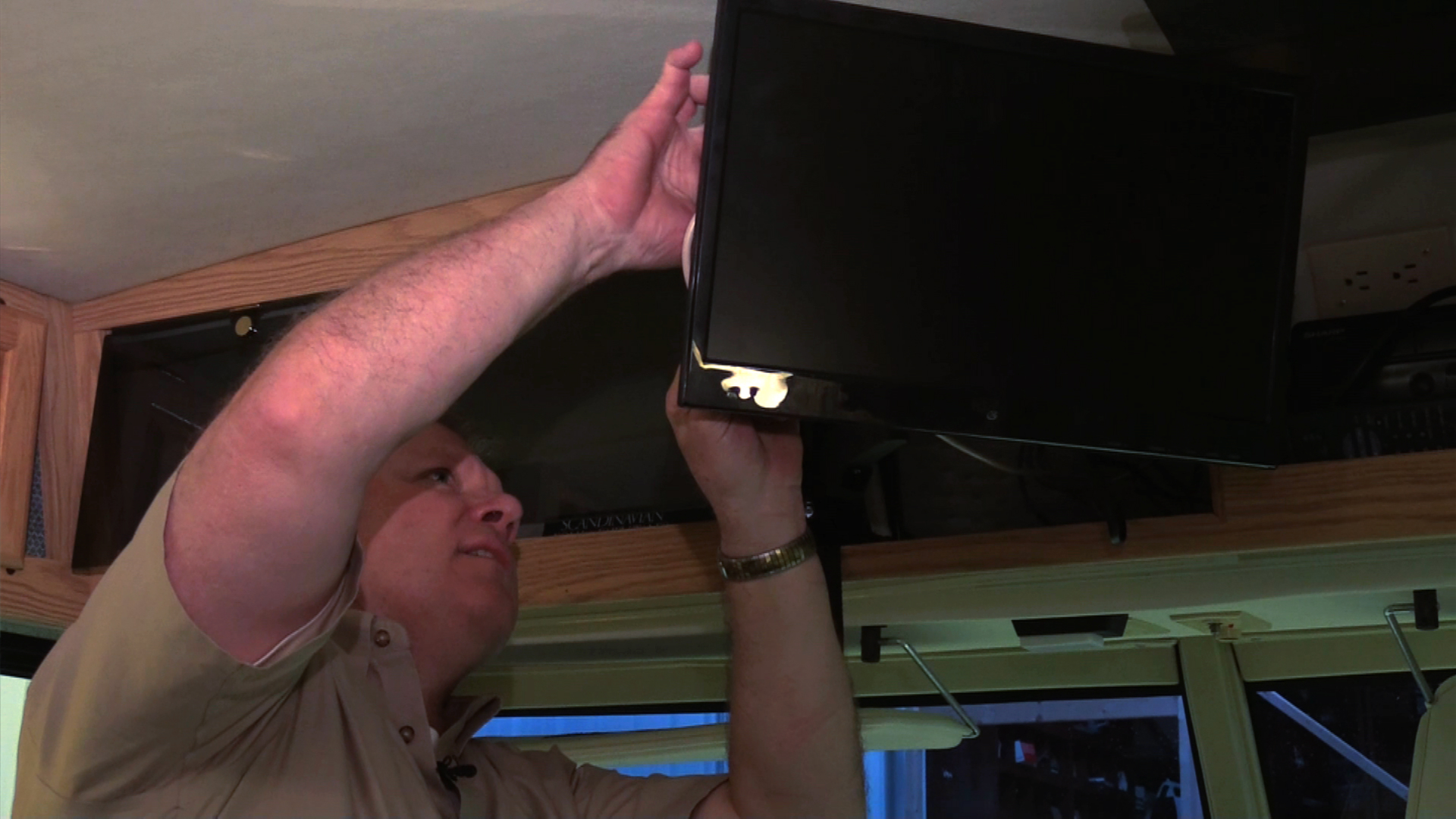 Still Watching an Old Set? Replace Your Old RV TV