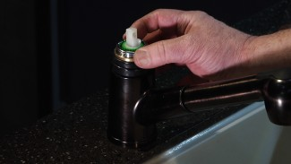 Fixing a Dripping Faucet-008153f_T3301u_c