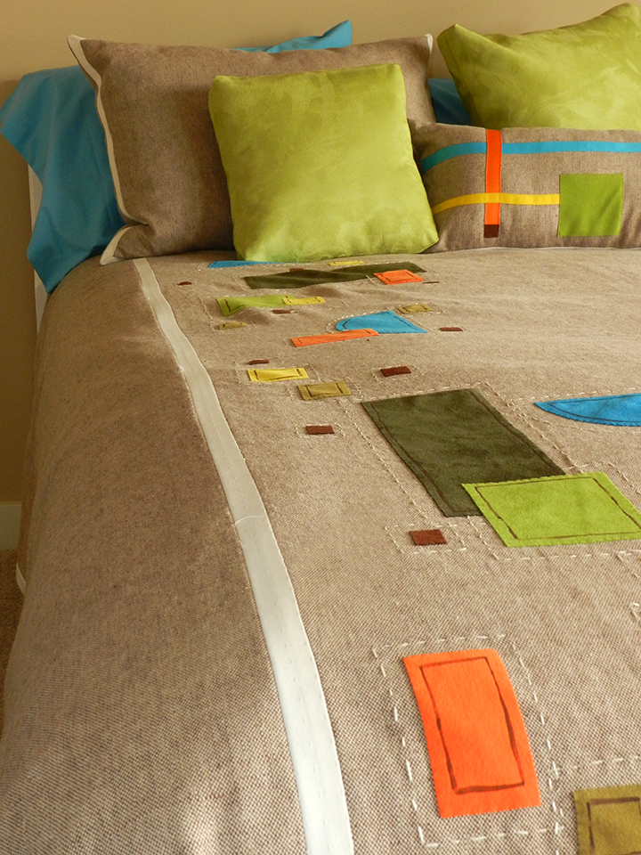 Here's an example of how you can incorporate flawless bias tape into a home décor project.