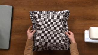 Simple Flange Pillow 008856f_R4356u_c