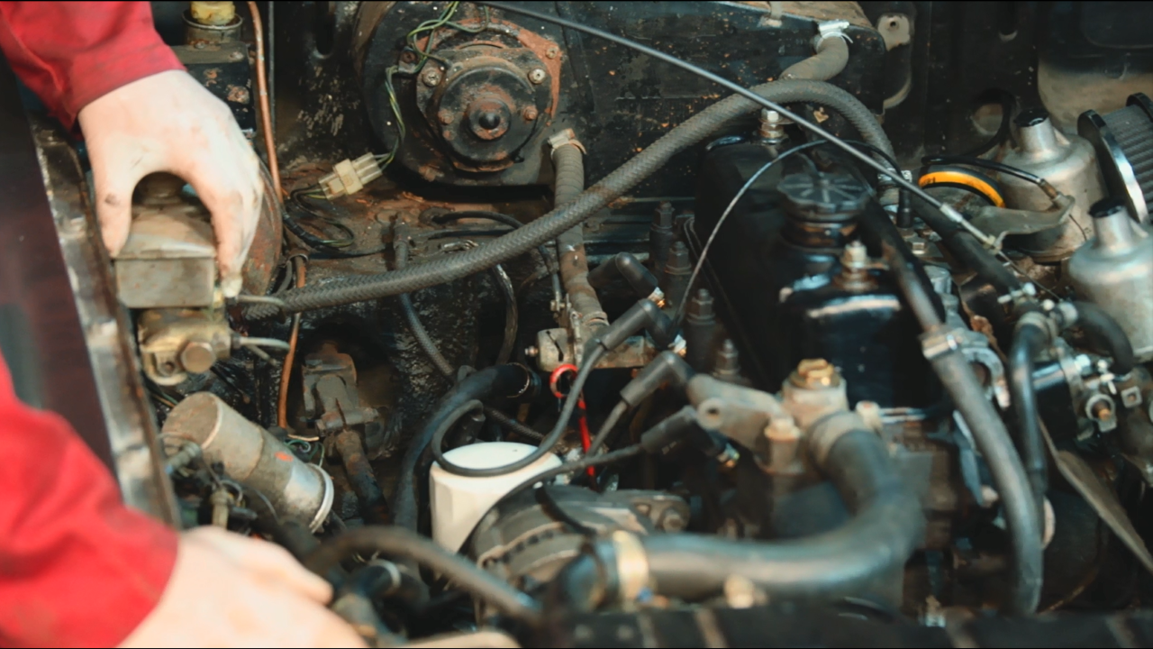 MGB Cold Engine Checks Part 2 BUK000026