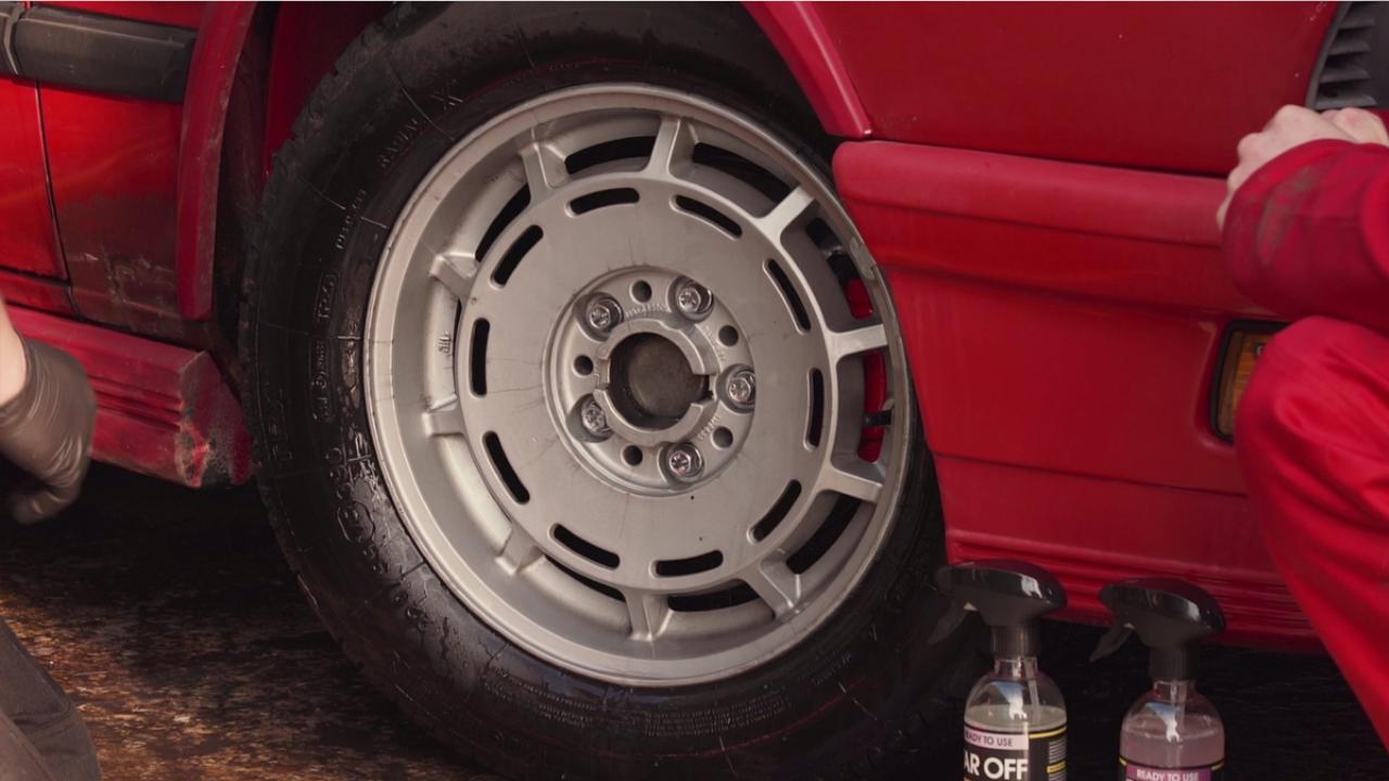 deep-cleaning-wheels