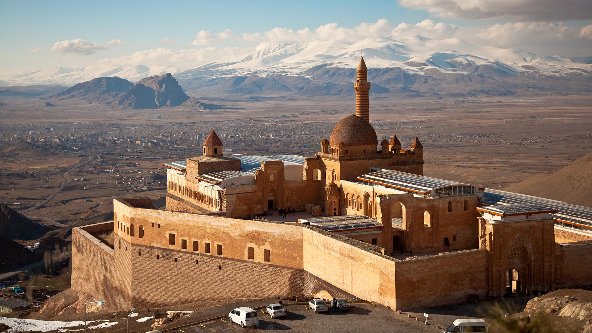 The Silk Road Ishak Pasha Palace And Mt Ararat Turkey