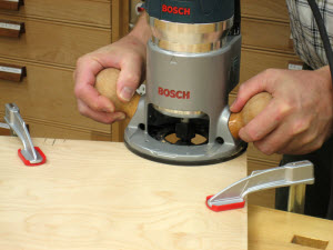 Cut Biscuit Grooves with a Router
