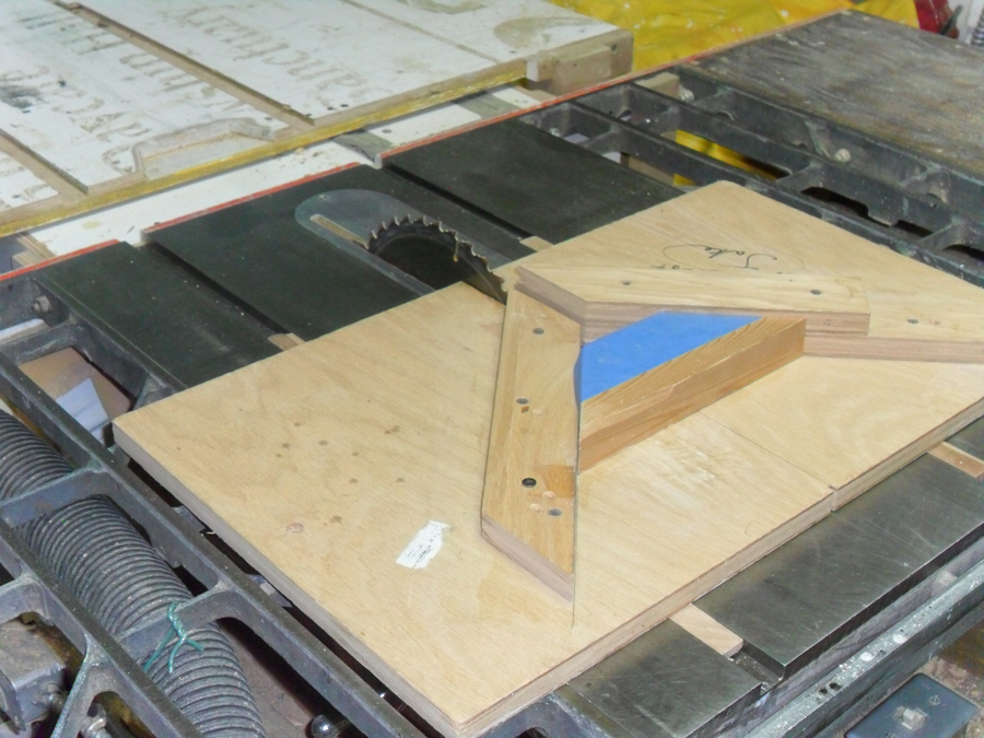 Four table saw sleds that will improve accuracy wwgoa for Table saw sled