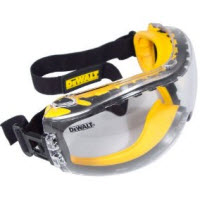 Reviewing the DeWALT Anti-Fog Dual Mold Safety Goggles
