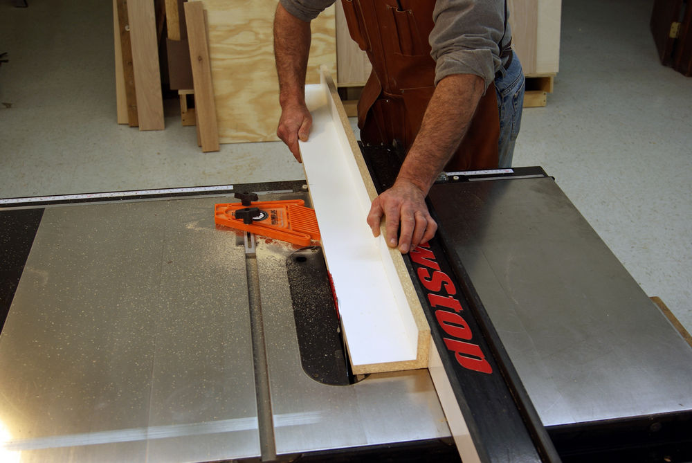 Jointing-on-a-table-saw-cut-the-offset