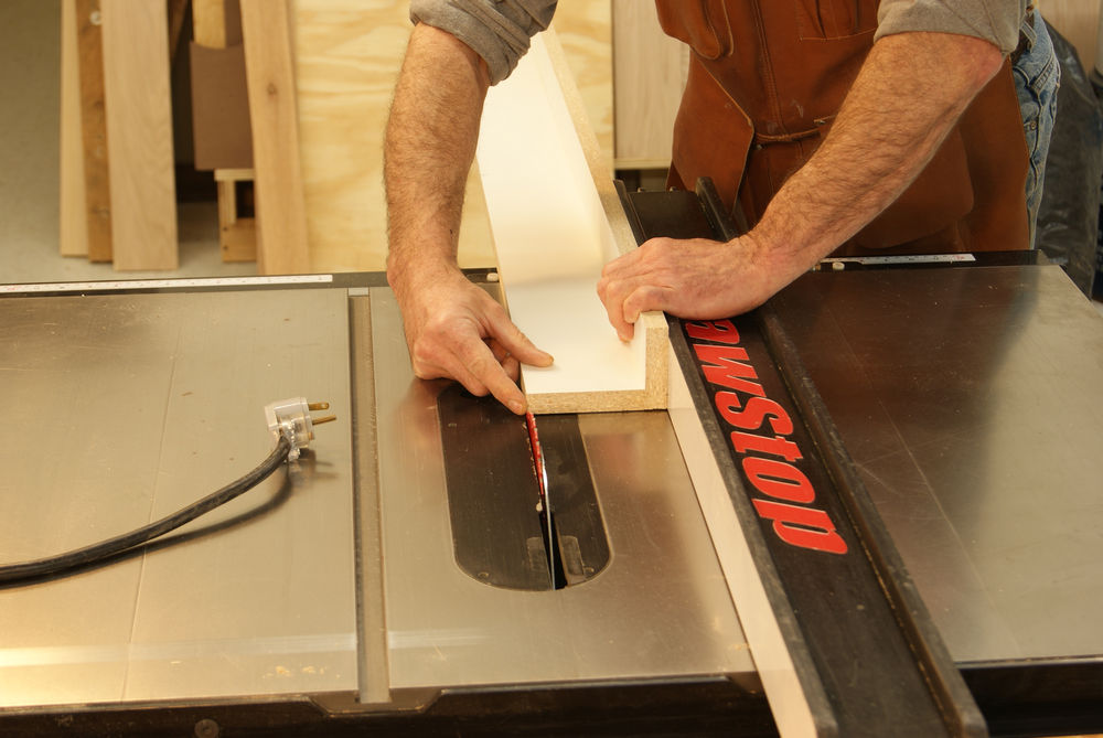 Jointing-on-a-table-saw-set-up-to-cut-jig