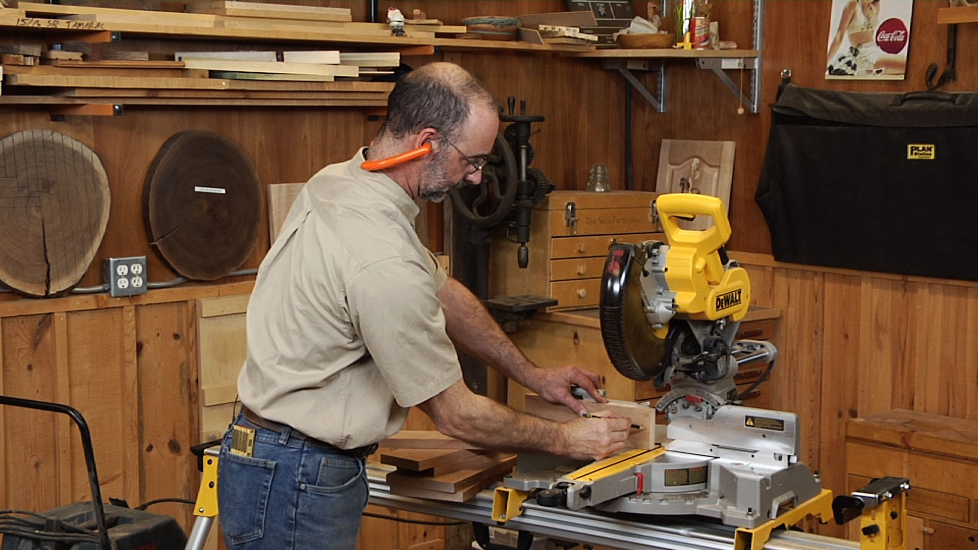 Learn how to use a miter saw and set it up