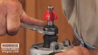 How to Install a Router Bit in a Router