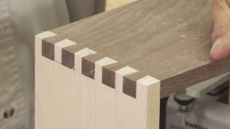 Accurate Fitting Dovetail Joints using a Dovetail Jig