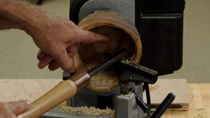 Utilizing Reverse on a Lathe