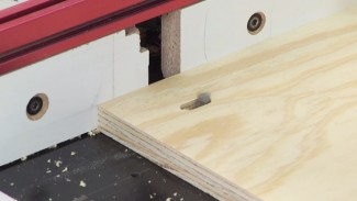Cutting Slots on a Router Table with a Spiral Upcut Bit
