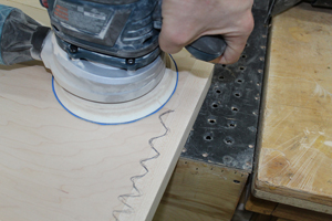 sanding-edge-band-with-squiggle-line