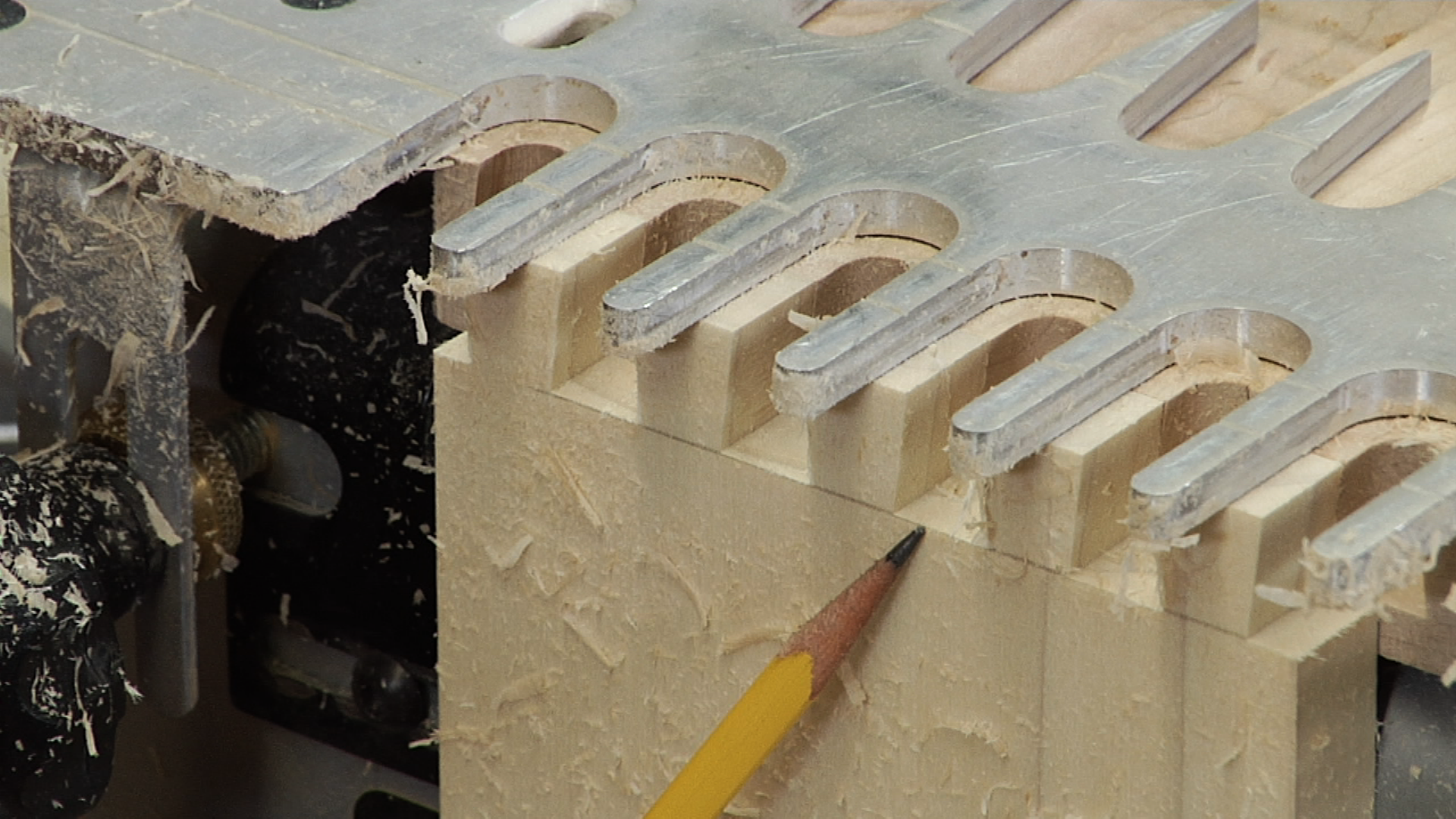 Porter Cable Dovetail Jig Cutting Through Dovetails