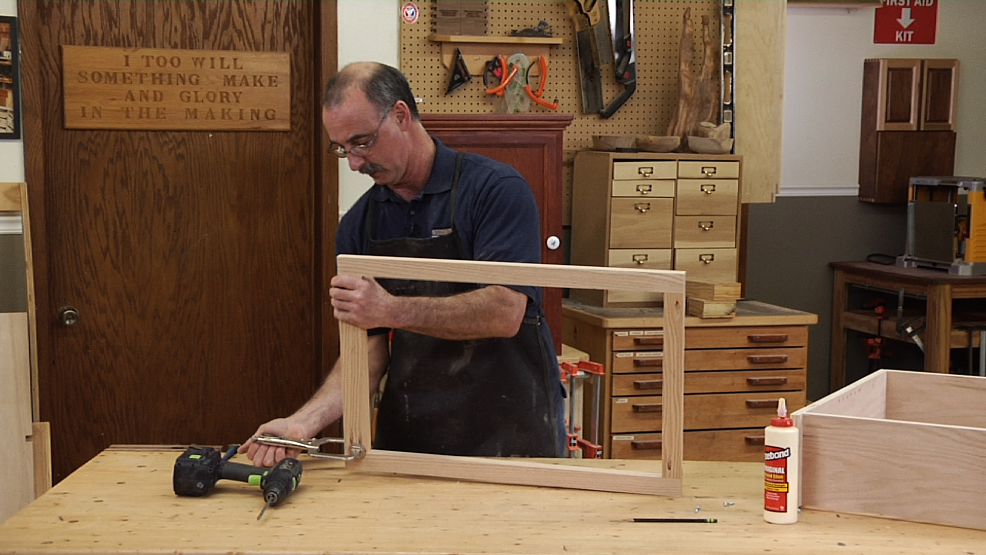 Make the Face Frame - Fundamentals of Cabinet Making Class 008209_d1e53u_c