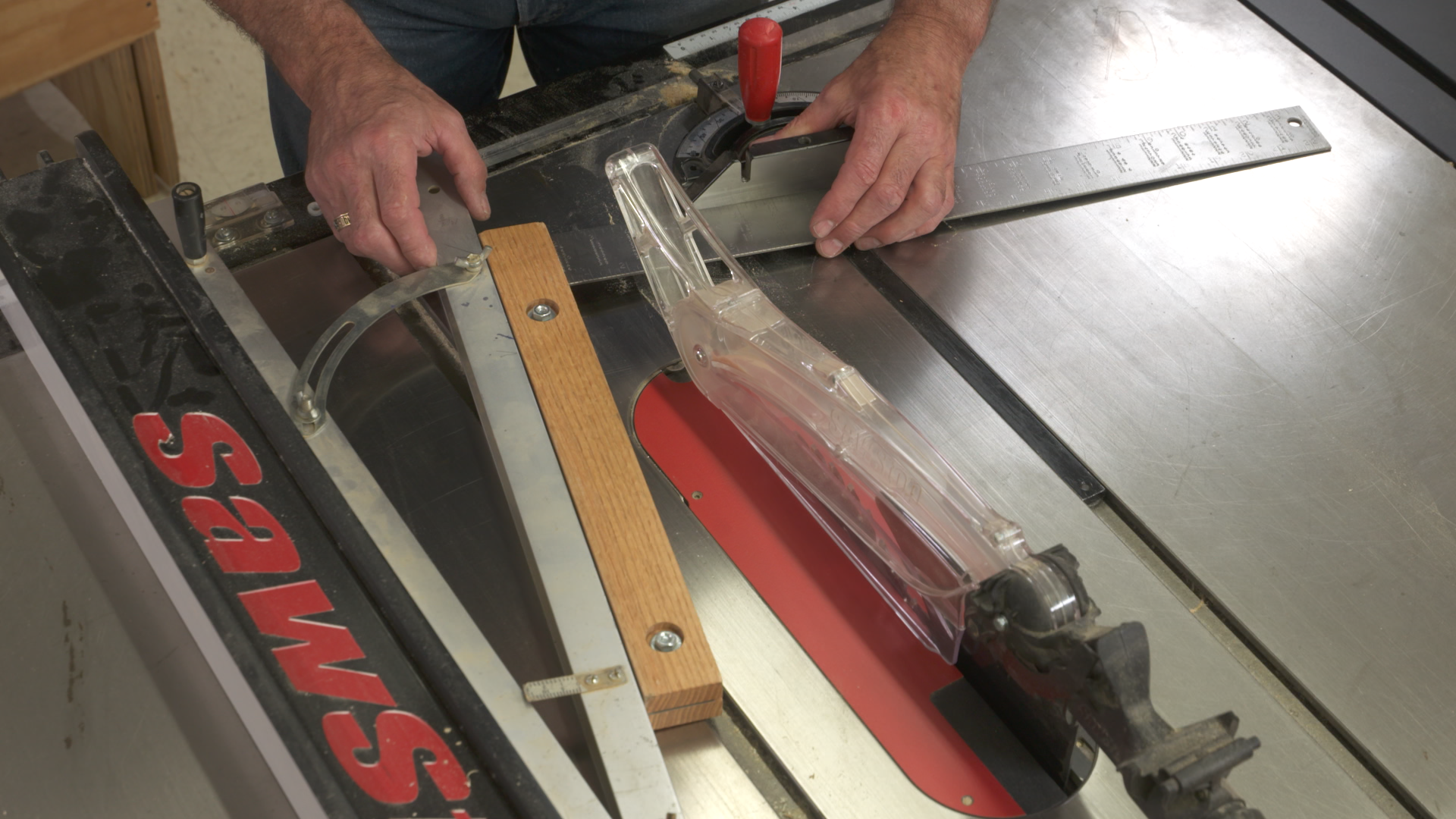 & Setting up a Table Saw Taper Jig Properly | WWGOA