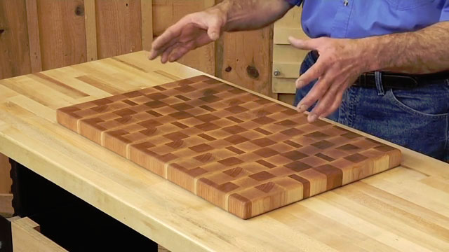 9 last minute woodworking gift ideas woodworkers guild for Puzzle cutting board plans