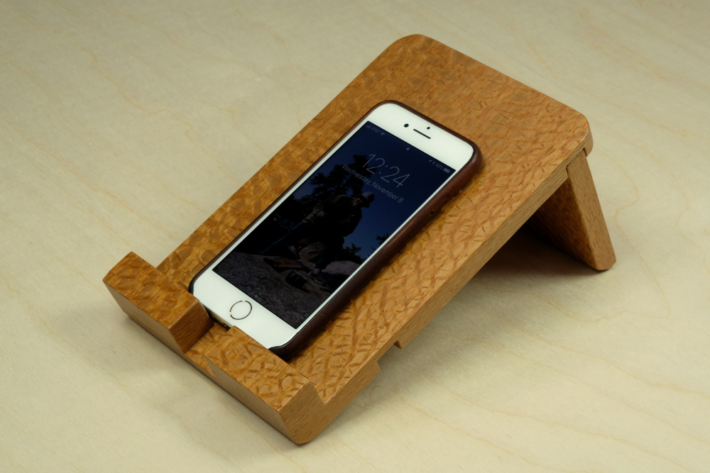 How to make an ipad iphone tablet or smartphone stand for Small projects made out of wood