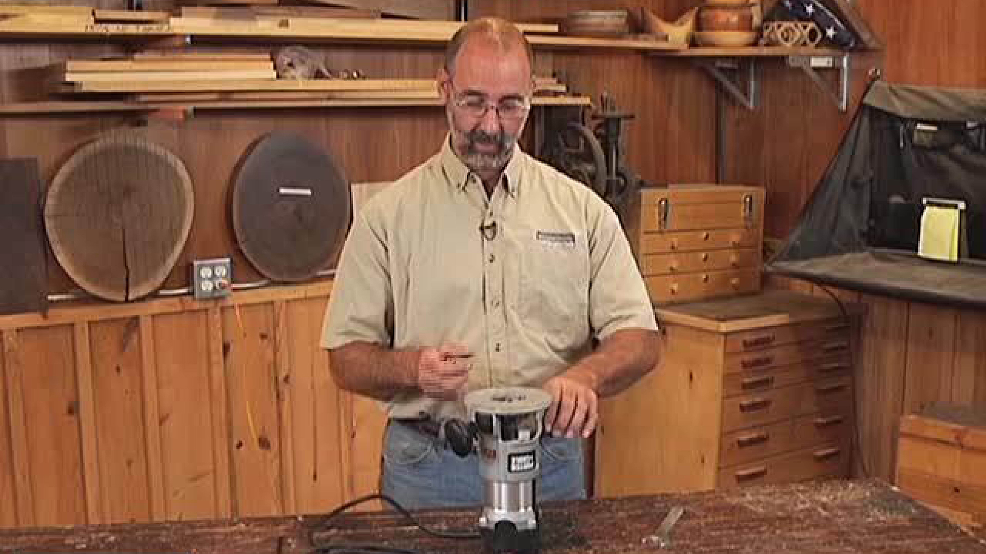 Sharpen Your Skills - How to Install a Router Bit in a Router